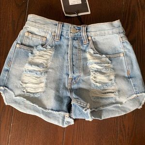 BRAND NEW! MINKPINK Denim high waisted short.